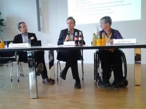 Auf dem Podium: Prof. Dr. Andreas Eckert, Dr. Michael Wrase, Dr. Sigrid Arnade (v.l.n.r.)
